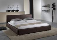 Луксозна спалня с кожена тапицерия