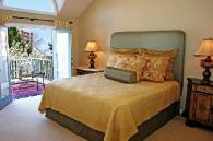 Тапицирано легло в ретро стил
