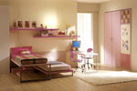 Детска стая с етажерки