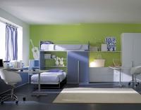 Детска стая с двуетажно легло в бяло и синьо