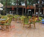 Столове от бамбук за малки заведения