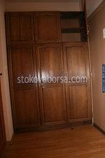 по поръчка дървен гардероб от масив
