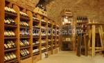 дървен стелаж за вино по поръчка