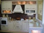 модерни кухни от масив