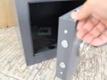 Метален депозитен сейф с цена, с ляво или дясно отваряне на вратата