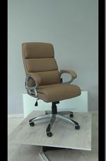 обзавеждане с естественна кожа офис столове